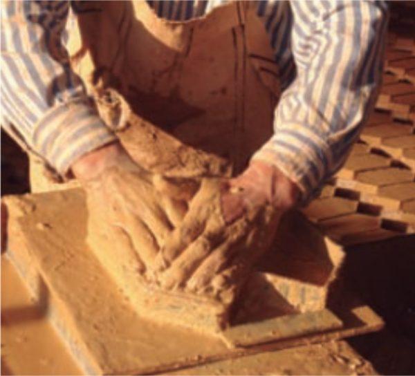 Ladrillo macizo de fabricación manual